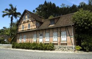 Casa em técnica enxaimel abrigará centro cultural em Blumenau (SC)