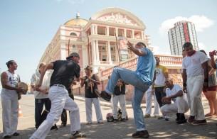 Capoeiristas lançam livro que reconta a história da capoeira no Amazonas