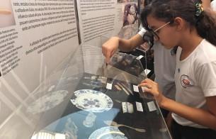 Estudantes visitam exposição de arqueologia no território goiano