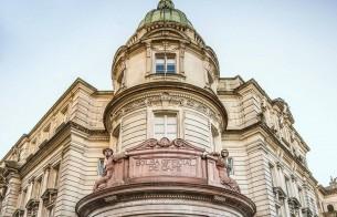 Edifício da Bolsa Oficial do Café (SP) recebe obras de conservação e manutenção das fachadas