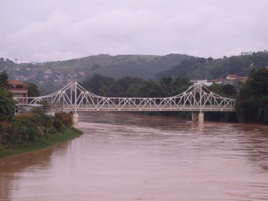 MG_CATAGUASES_Ponte_Metalica_sobre_o_Rio_Pomba_1