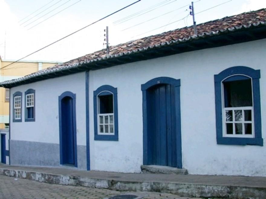 MG_RESENDE_COSTA_Casa_a_Praca_Conego_Cardoso_84_90_5