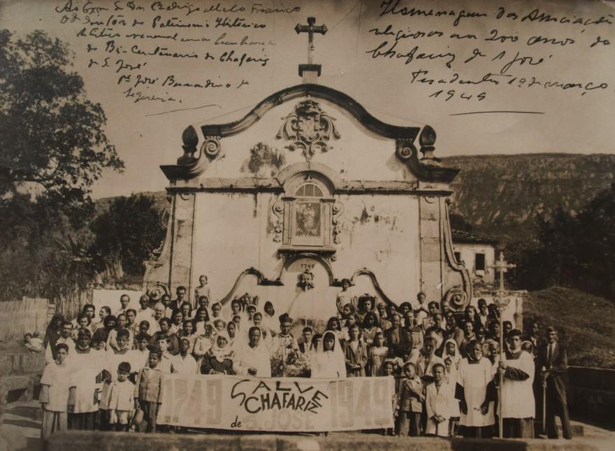 MG_TIRADENTES _ Campanha para o tombamento do Chafariz de São José