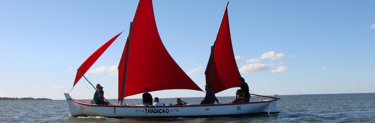 Canoa de Pranchão Tradição