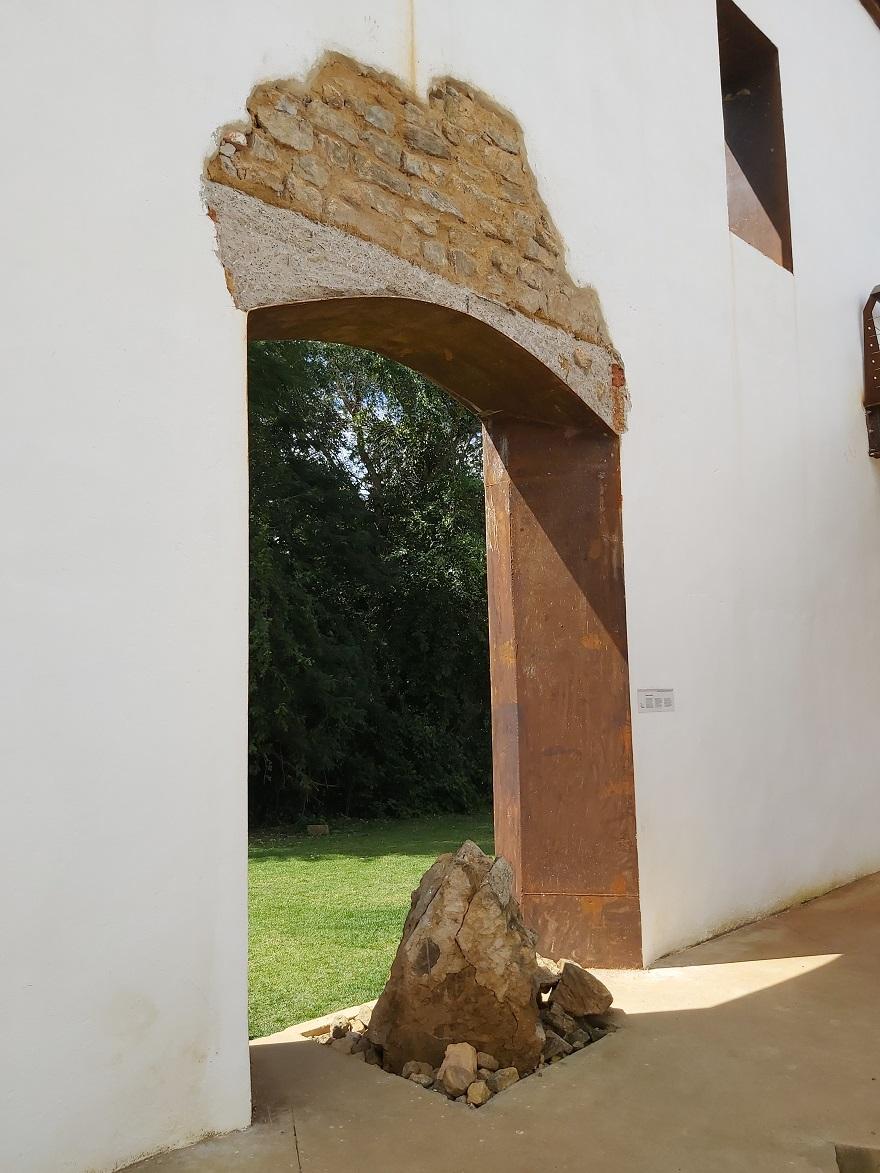 A restauração revelou uma série de achados arqueológicos