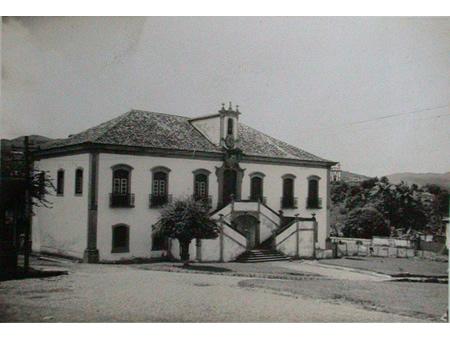 MG_MARIANA_Casa_a_Praca_Joao_Pinheiro_antiga_1