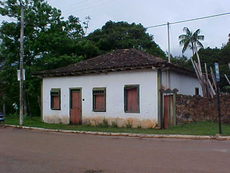 MG_MARIANA_Casa_com_Rótulas_1