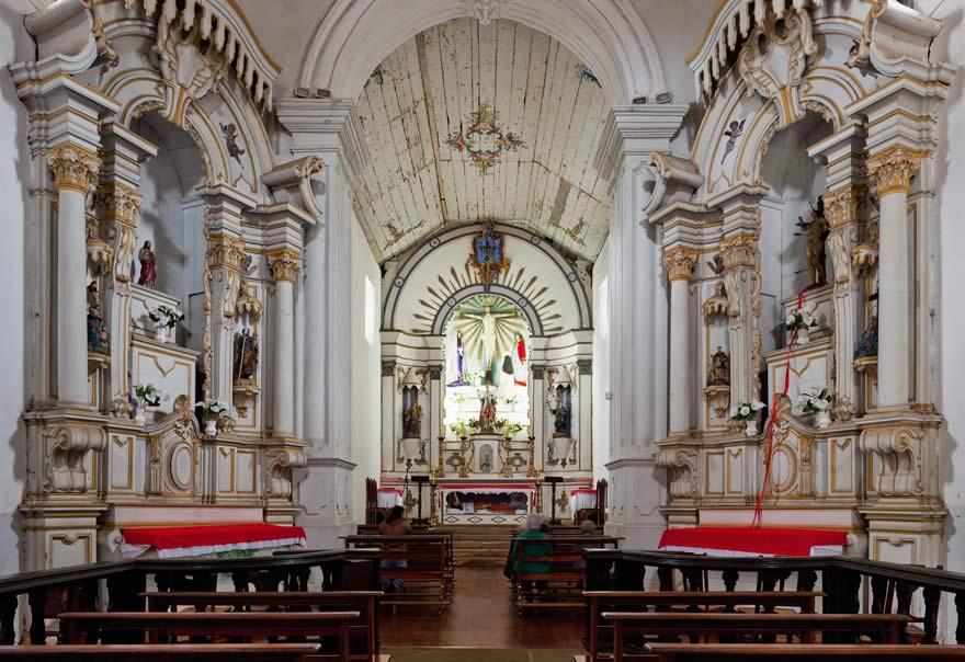 Interior da  Igreja do Bom Jesus do Matozinhos