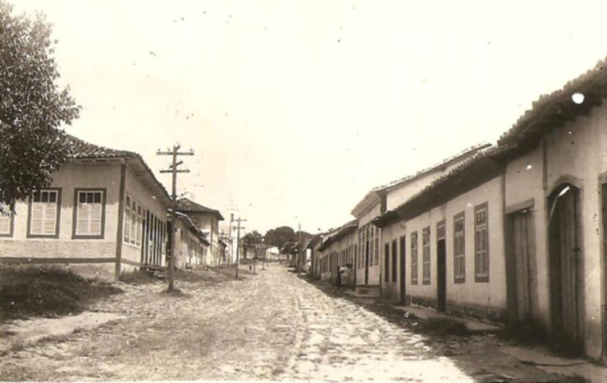 MG_PARACATU_Rua_das_Flores