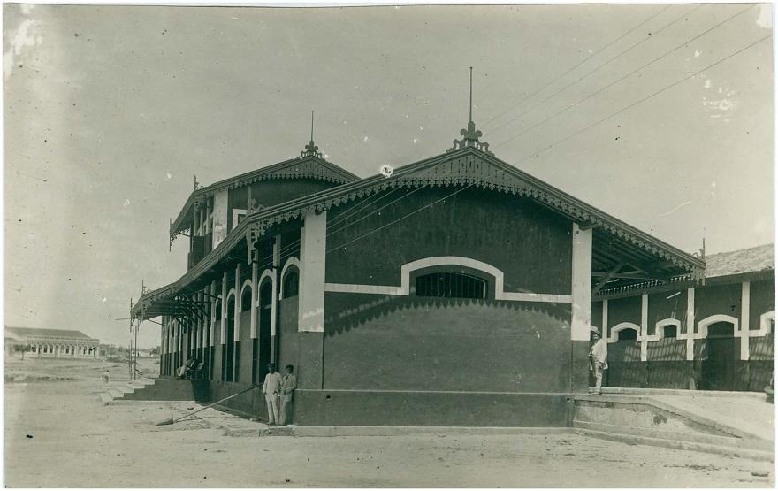 A inauguração da Estação Ferroviária de Caruaru, em 1895, conduziu uma série de mudanças na cidade.