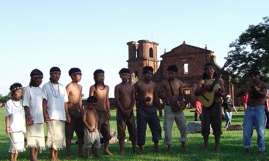 O Sítio Arqueológico de São Miguel Arcanjo faz parte do território conhecido como Tava Miri, pelos Guarani Ibyá, nome atribuído ao local de origem de seu povo