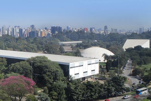 Conjunto de edificações projetadas pelo arquiteto Oscar Niemeyer para o Parque do Ibirapuera
